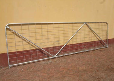 China Robust Portable Welded Wire Mesh Fence Metal Farm Gates Modern Style supplier