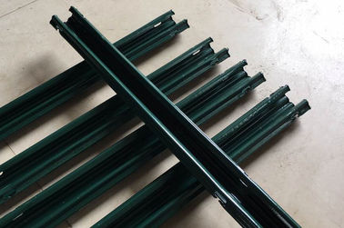 China Powder Coating Metal Vineyard Posts / Vineyard Line Posts With Anti Shock supplier