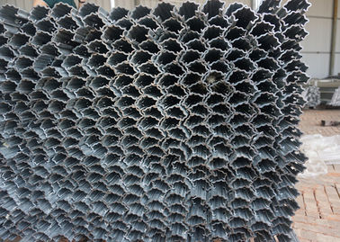 China Agriculture Plantation Steel Trellis Posts Reduce Chafing And Cankers supplier