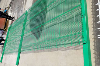 China 4mm Wire Dia Welded Mesh Fencing , High Security Fence Powder Coated supplier
