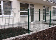 Customized size galvanized welded wire mesh panels , welded steel wire fencing