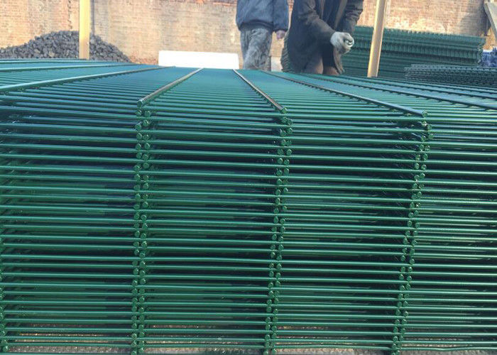 Triangular V Type PVC Coated Welded Wire Mesh Fencing / Green Metal ...