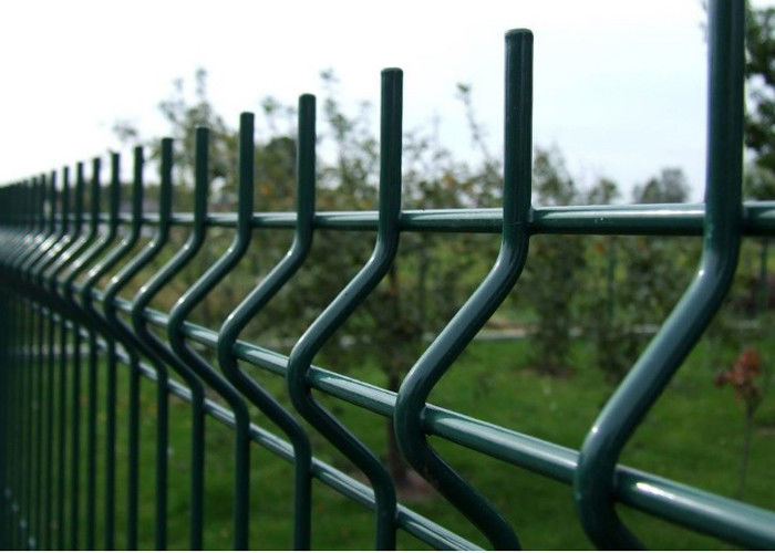 V Curved Welded Wire Fence / Galvanized Welded Wire Fabric Corrosion ...