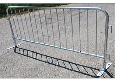 China Portable Metal Pedestrian Barriers / Crowd Safety Barriers For Construction Concert factory