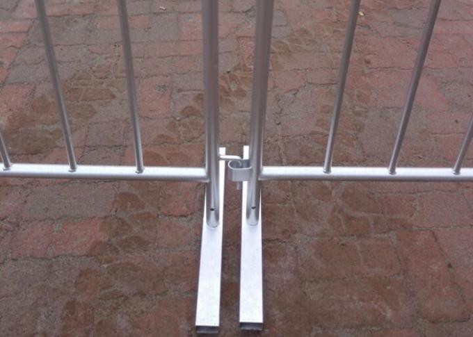 Hot Dipped Galvanized Crowd Control Barriers 25MM Pipe 1.1x2.0 Meter