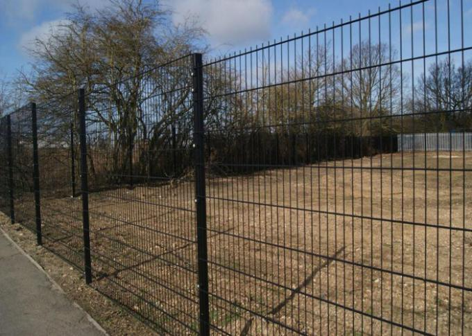 PVC Coated Welded Wire Mesh Panels 868 Fence 50X200MM With 50MM Square Post