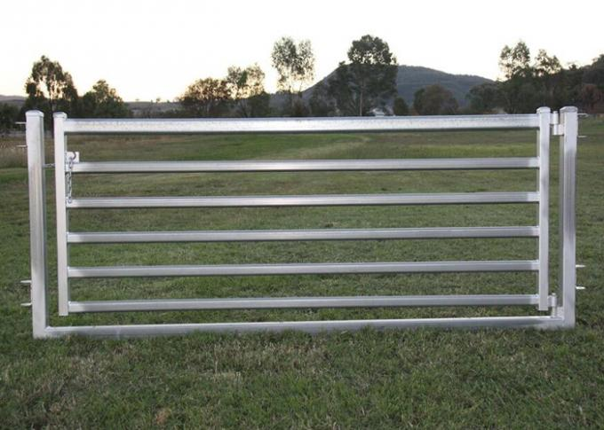 Pre Hot Dipped Galvanized Sheep Cattle Panels Livestock Fence Panels 5Rails With Oval Tube 30X60MM